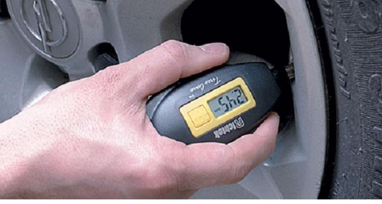 كورونا : آلات لقيس ضغط إطارات السيارات بدل آلات قيس الحرارة لمحكمة الكاف