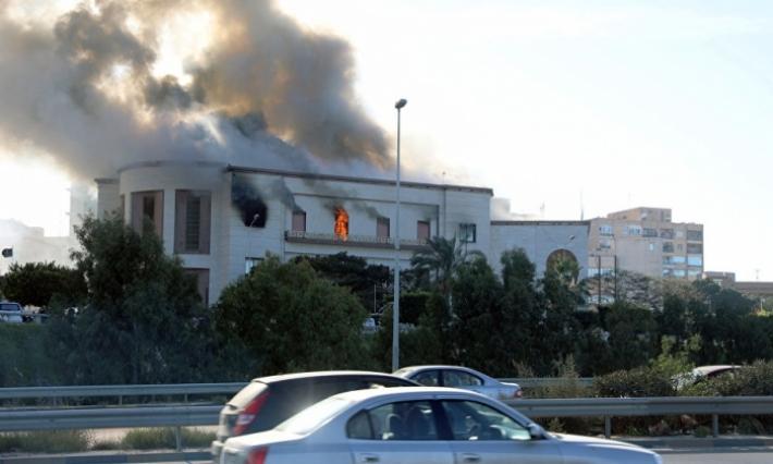داعش يتبنى الهجوم على مقر الخارجية الليبية