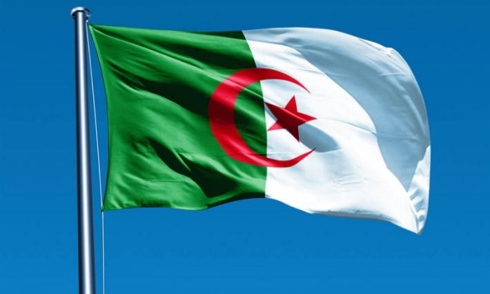 الجزائر: تقديم عطلة الربيع للطلبة والتمديد فيها تزامنا مع الإحتجاجات